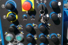 GIZO podnośnik na przyczepie Genie TZ 50 JDC akumulatorowy